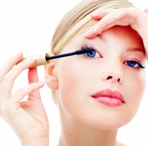 THE FIVE MOST COMMON MASCARA MISTAKES